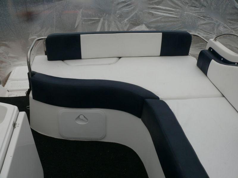 Motorová loď G700 120-200Hp 7m s kajutou