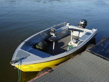 Motorová loď F390 15Hp 3,88m